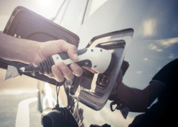 5 Reasons Why You Should Drive an Electric Car