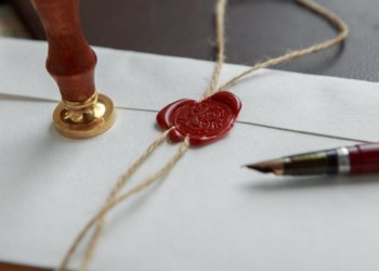 3 Items You Need To Make Your Own Letter-Writing Kit