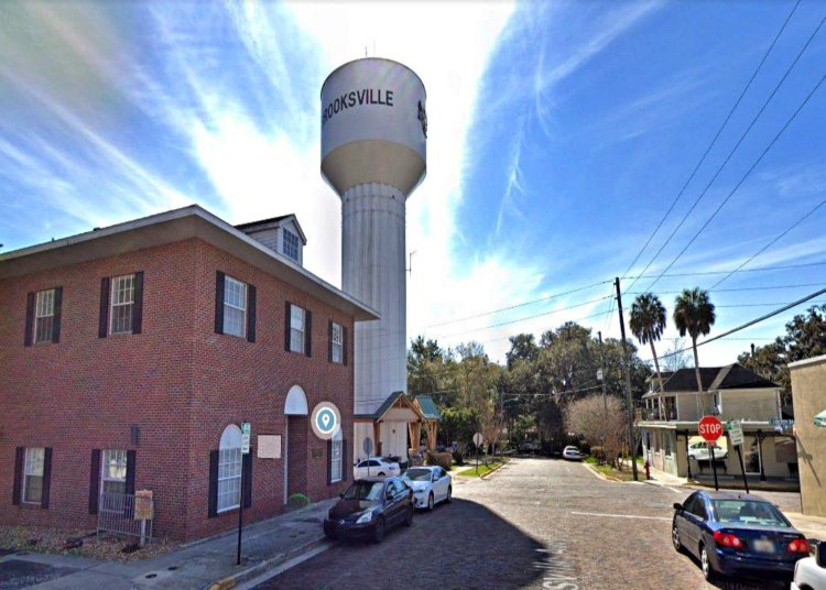 A Small Florida Town Accidentally Sells the City's Water Tower